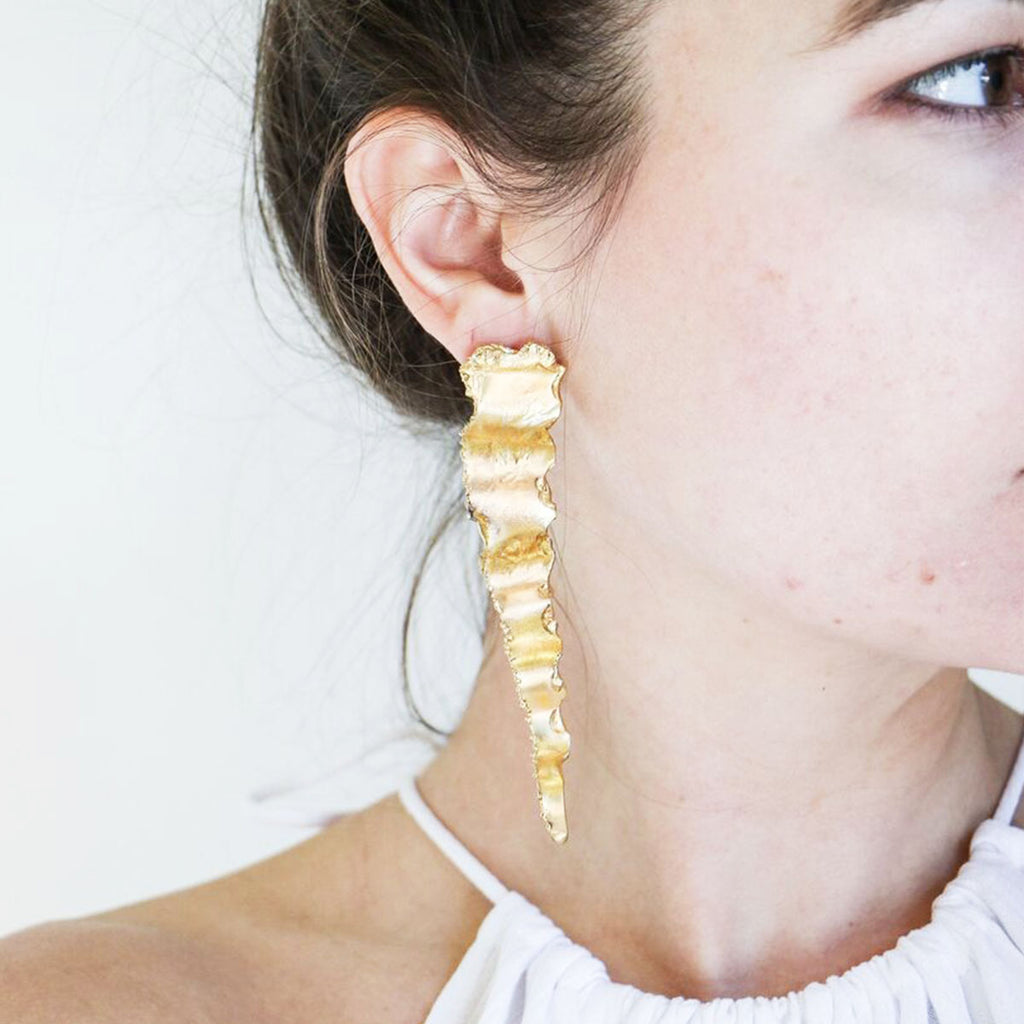 LM White Plasma Earrings in Gold