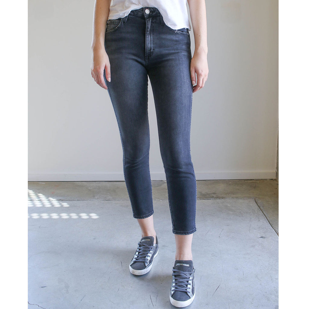 Amo High Rise Stix Crop Washed Black