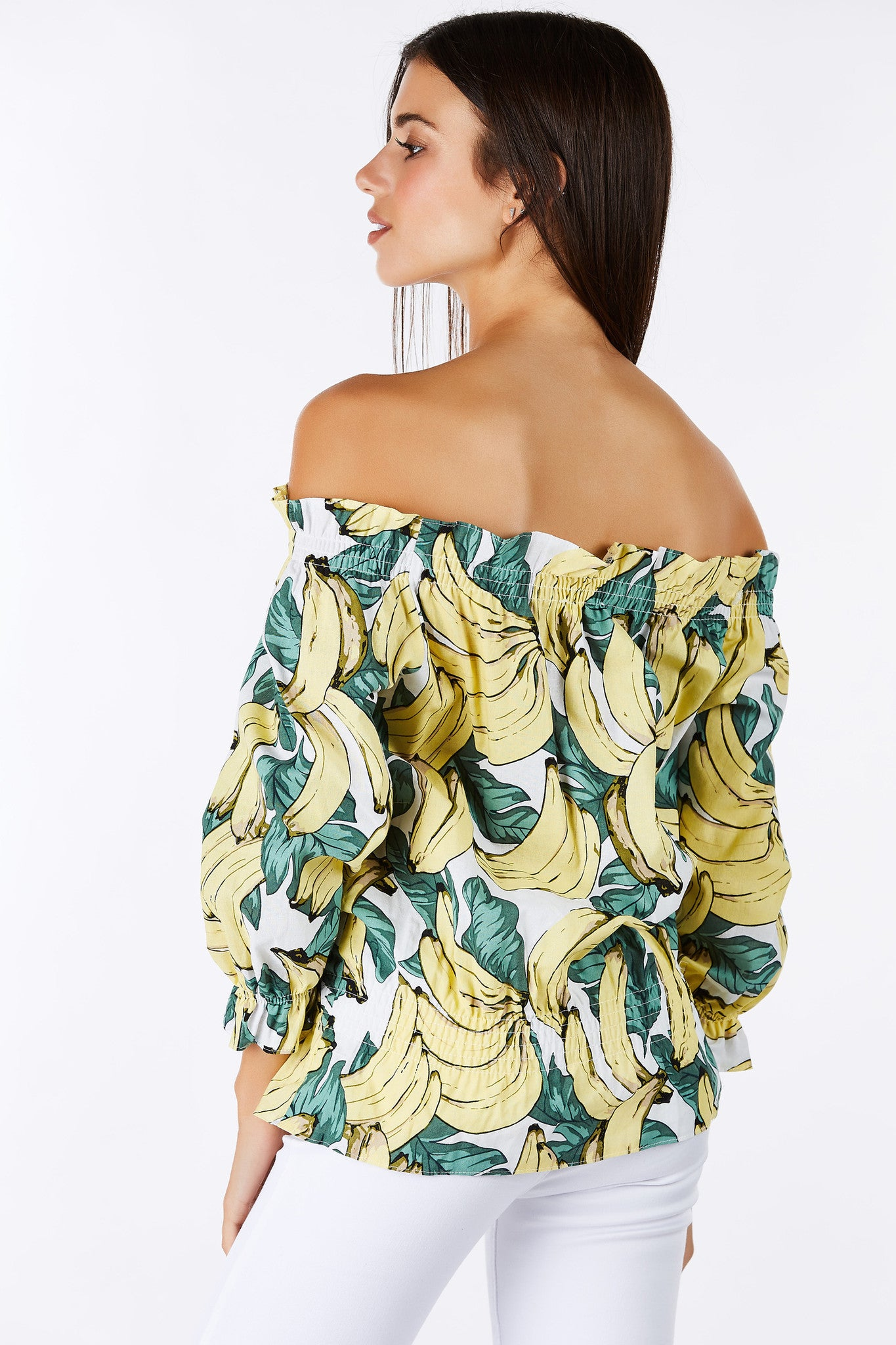 Here's the perfect Summer top with a fun pop of color. Bright and colorful banana prints through. Off shoulders with aweome elastic bands for a comfortable fit. Has great structure to bring more dimension to your outfit.