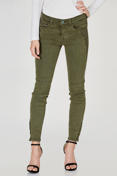 Upgrade your denim game with these awesome skinny moto jeans! Super stretchy material allows comfortable wear all day and night. Classic moto design for a bad-ass vibe with trendy zip detailing at hem. Style with a ribbed tank and leather jacket!