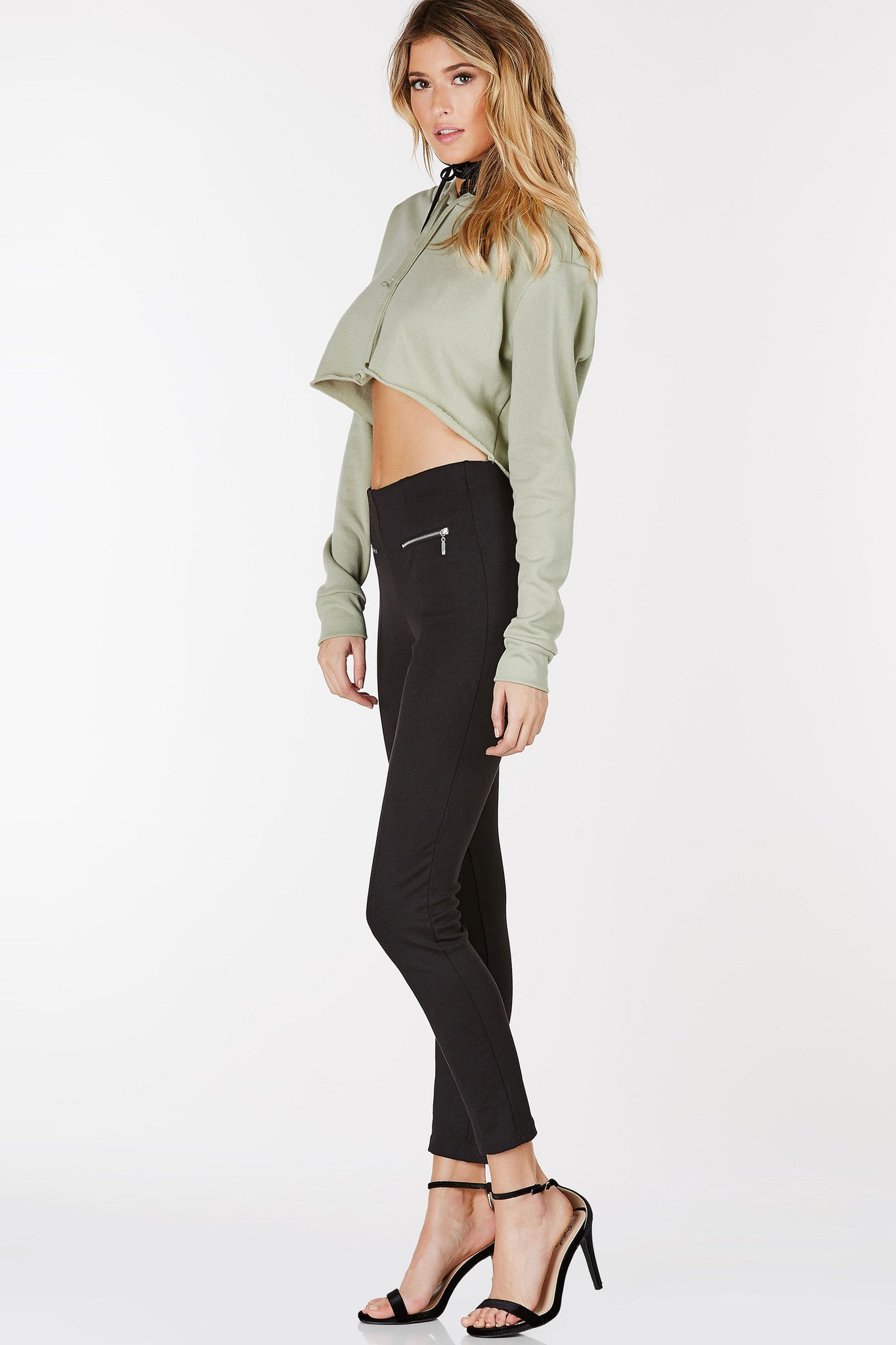 Classic pullover hoodie with drawstring detail. Cropped hem with straight hem all around.