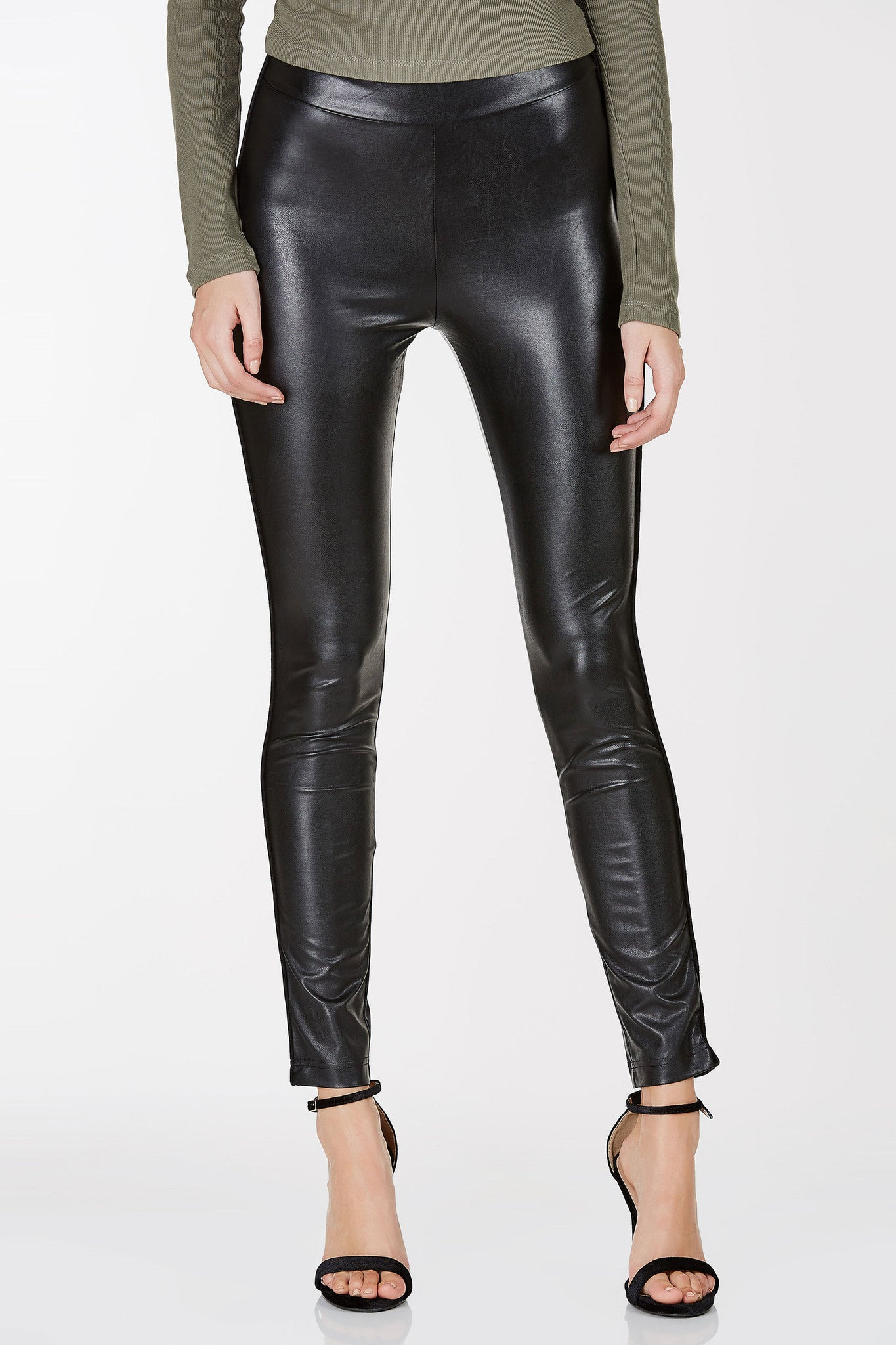 High rise leggings with faux leather finish and contrast piping down each side.