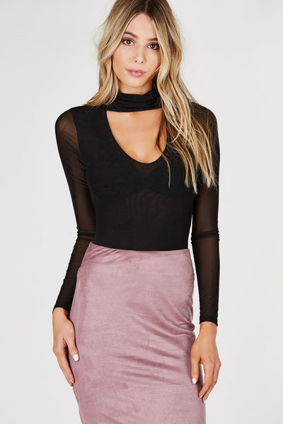 Long sleeve mesh top with turtle-choker neckline. V-shape cut out with layered front.