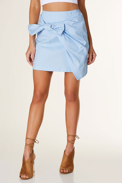 Chic high rise mini skirt with knotted detail in front. Fully lined with hidden back zip closure.