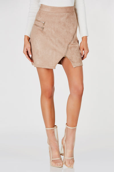 High waisted mini skirt with soft suede exterior. Zippers for closure and added detail.