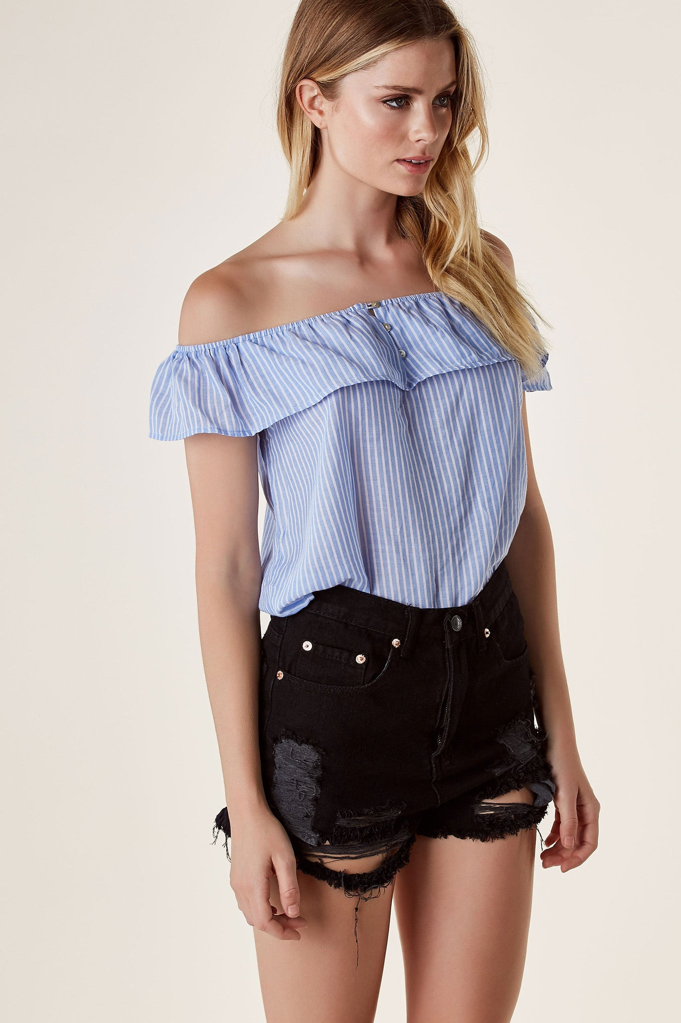 Basic off shoulder blouse with stripe patterns the button detailing in front. Relaxed fit with straight hem finish.
