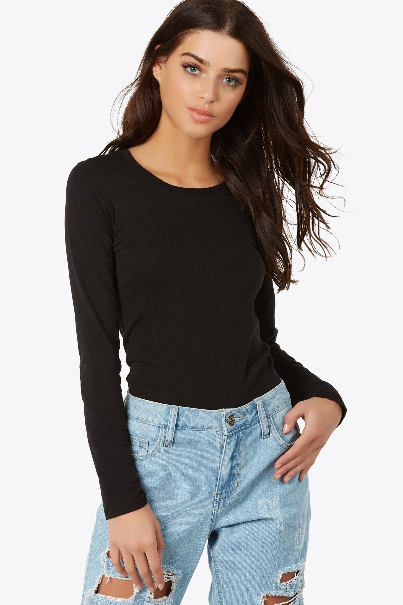 Add this staple top to any look, casual or chic. Close-to-body fit Long sleeve top with round neckline.