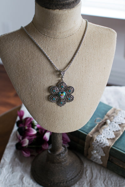 Blooming Heart Pendant - Beewearables
