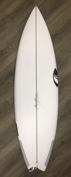 Sharp Eye Surfboards 5'9 x Disco Swallow Tail Poly SURF WORLD