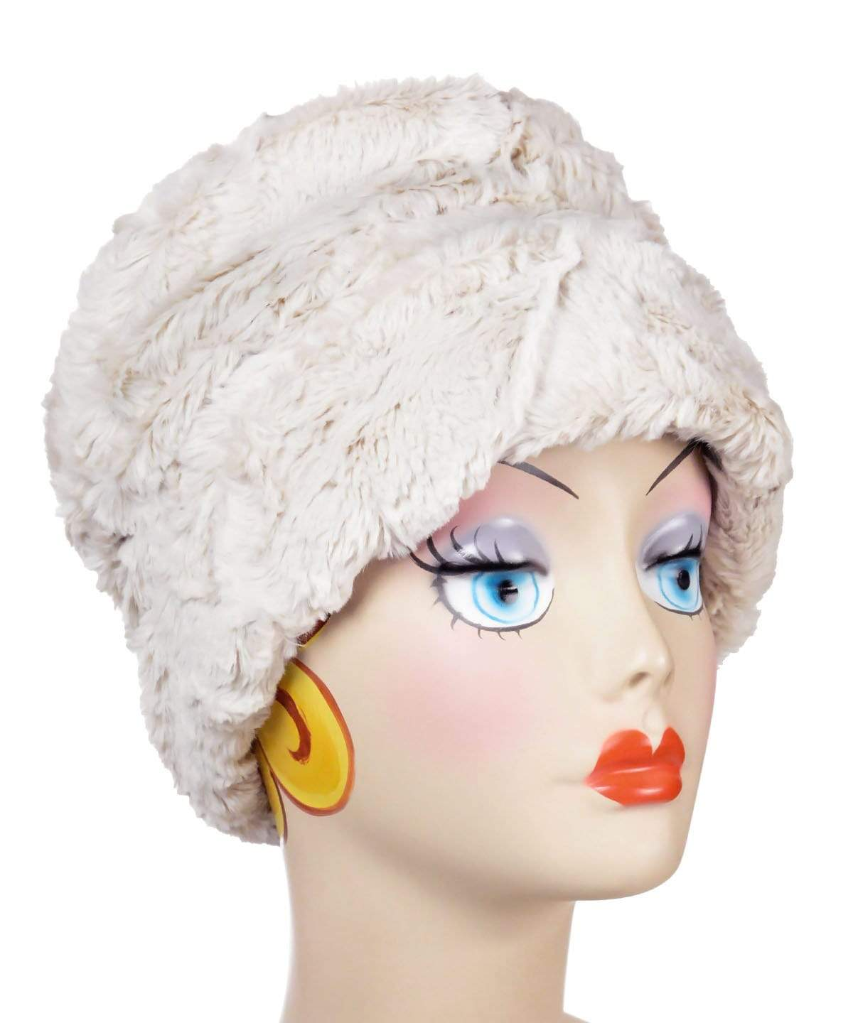 Ana Cloche Hat Style - Cuddly Faux Fur in Sand