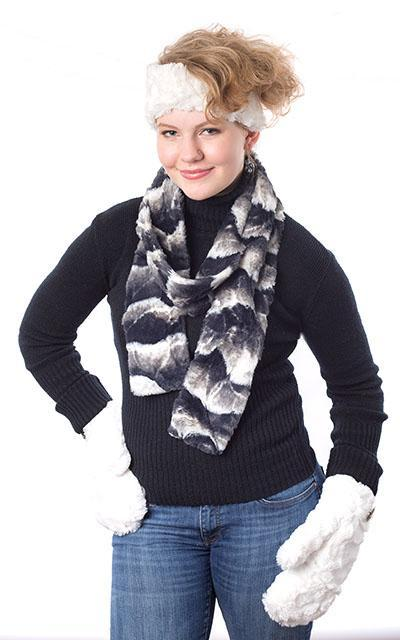 Mittens - Cuddly Faux Fur Black Accessories Pandemonium Millinery