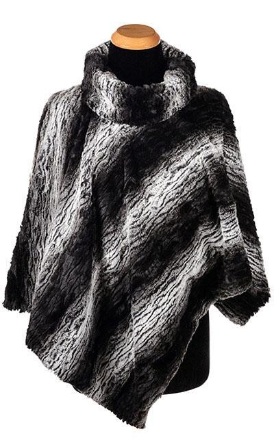 Poncho - Luxury Faux Fur in Smouldering Sequoia