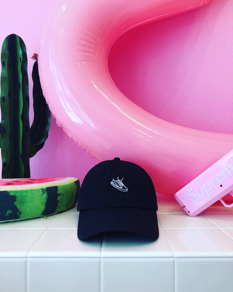 CHAINS Sneaker Cap - Pink wall with Supreme Gun