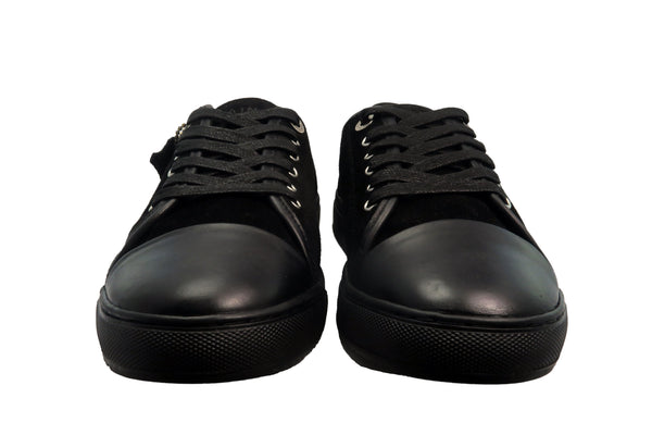 lassic design Black on Black Triple Black lace-up sneaker from CHAINS