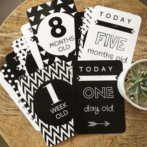 Vanda Baby Cards - Monochrome Baby Milestone Cards – Set of 17