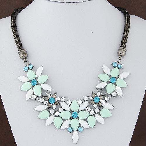Retro Style Gem Rhinestone Crystal Flower Choker Necklace