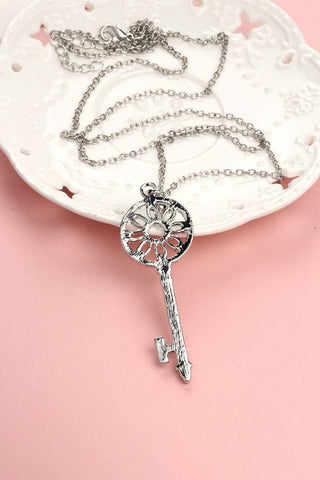 Key Pendant Long Necklace With Rhinestones