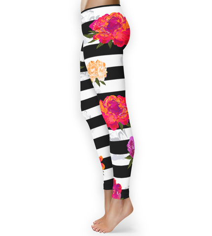 Black and White Bold Floral Print Leggings - XS - Leggings - AKA Style Co - 1