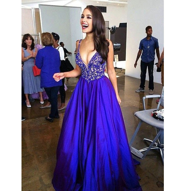Royal Blue Embroidery Bodice and Satin Skirt Prom Dresses pst0204