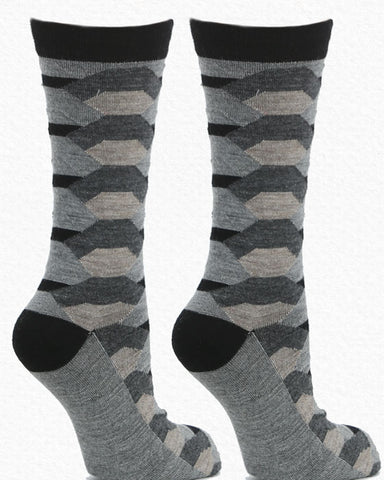 Anew for 19 - Geometric Socks by HdF