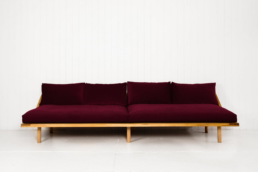 THE L-DREAMER COUCH