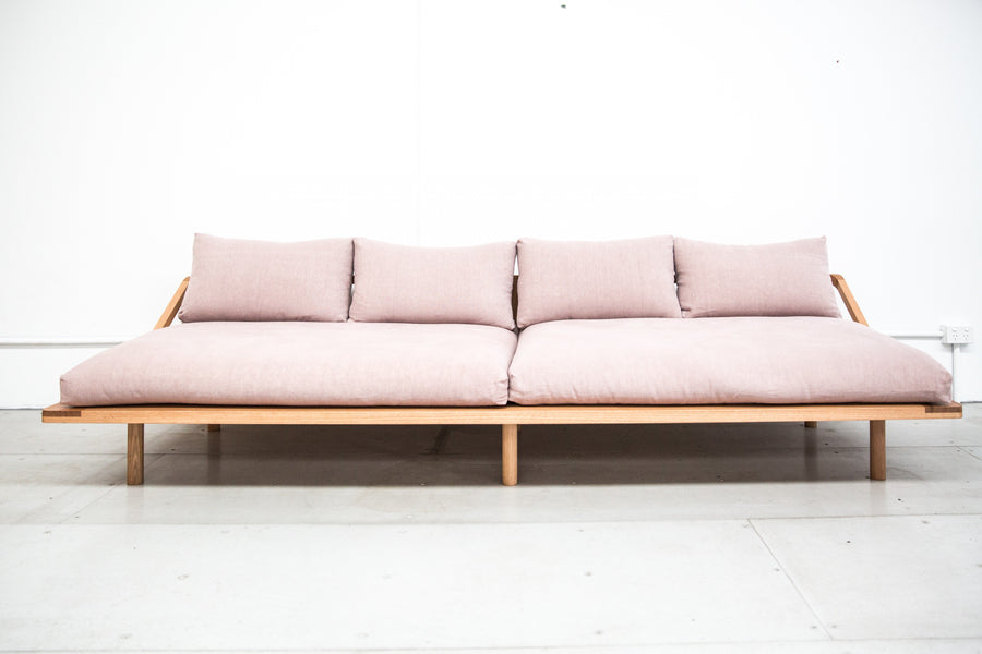 DREAMER COUCH