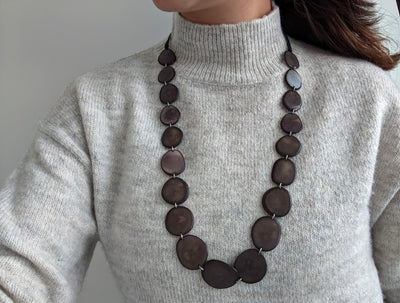 Cadhozliso Necklace in Grey