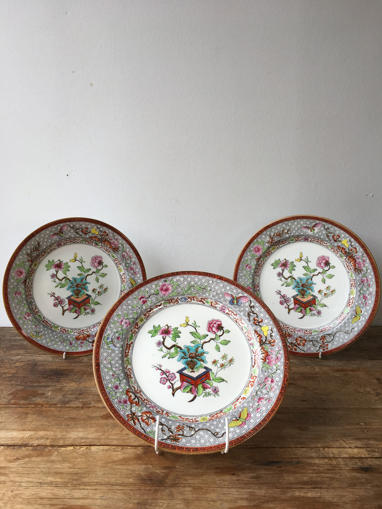 Set Of Ten Royal Worcester Chinoiserie Pattern Plates