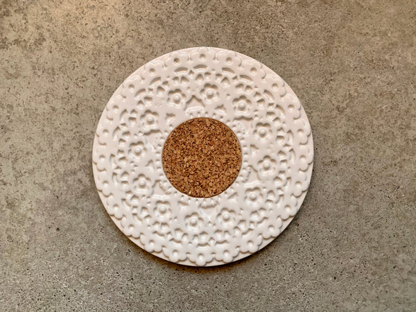 Portugal Gifts - White Lace Trivet with Cork Centre