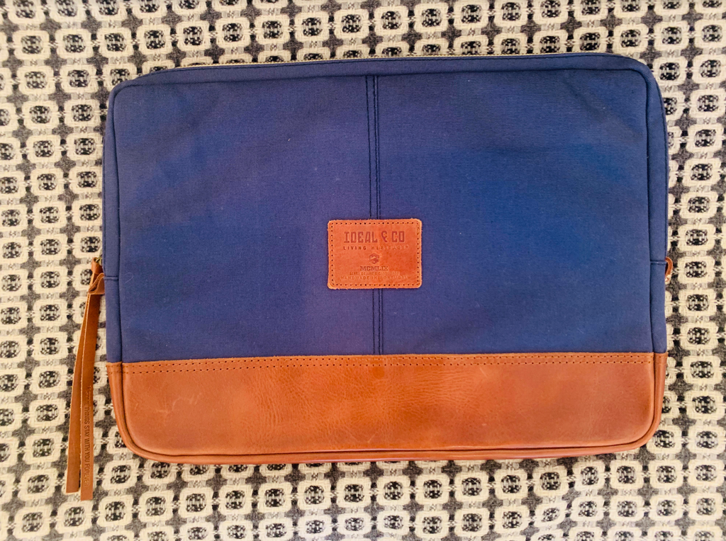 "Ideal & Co. - 15"" Laptop Bag"