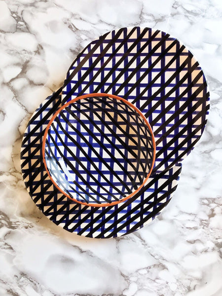 Casa Cubista - Two-Toned Crosshatch Dessert Plate - Black/Blue