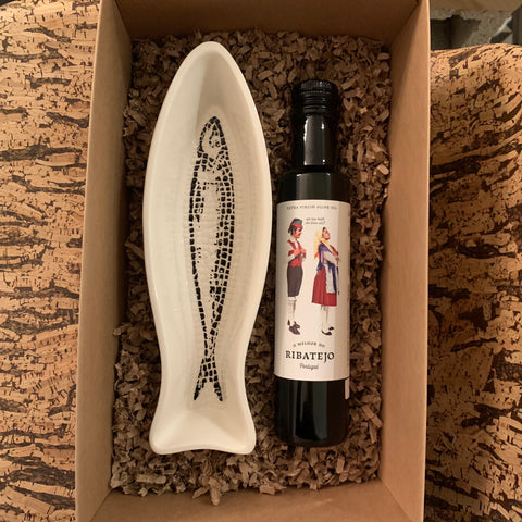 Gift Set - Fish Shaped Bowl & Olive Oil