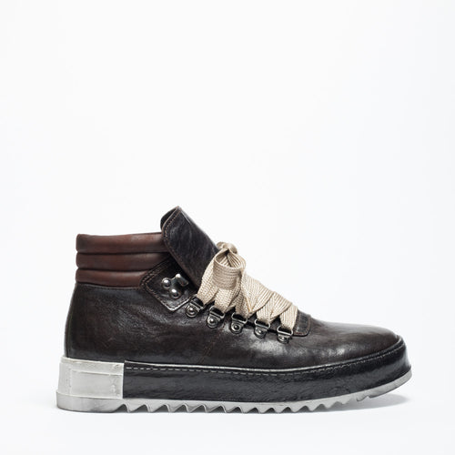DECEMBER 18 | Cana ebony woman mountain sneaker
