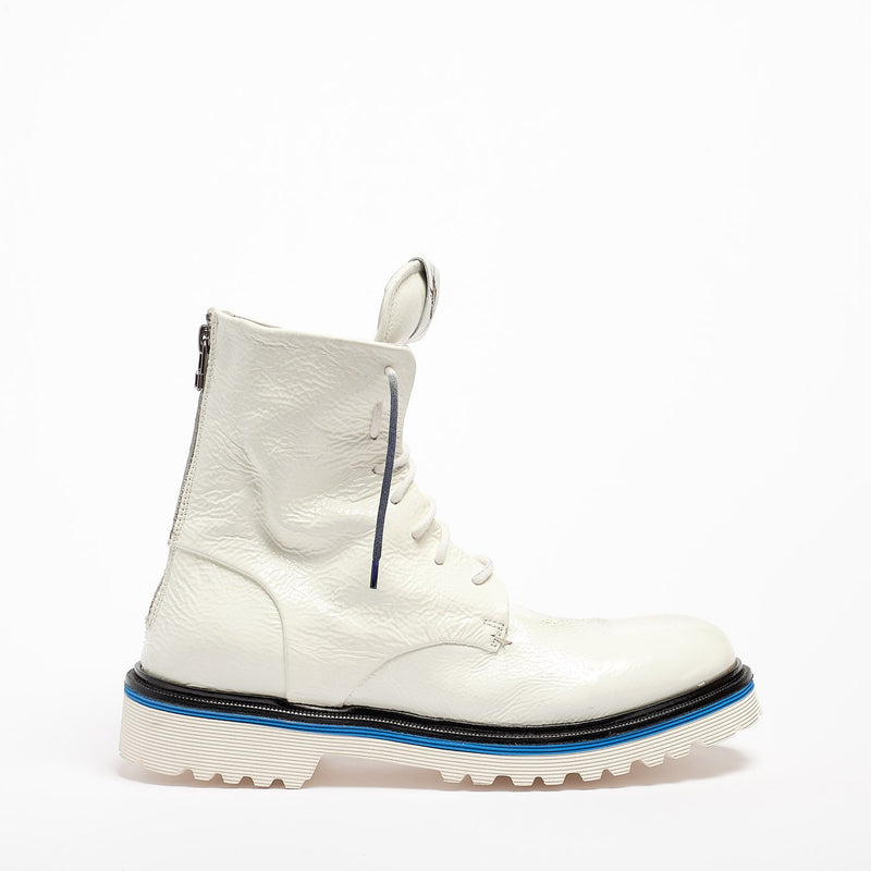 Lady Napalm Laced Desert Boot naplack white