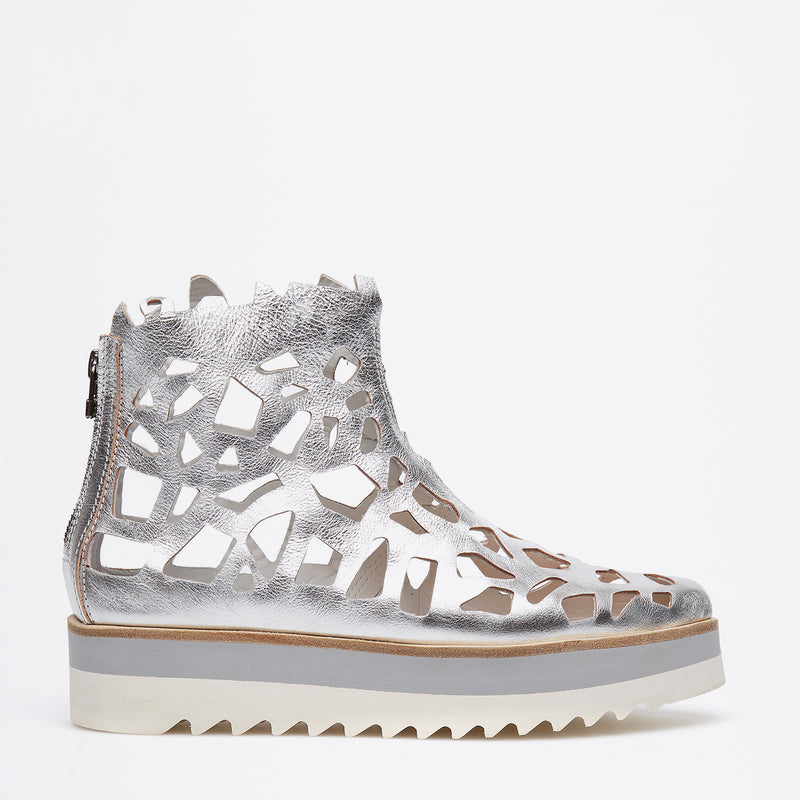 Shark Metal Sneakers silver