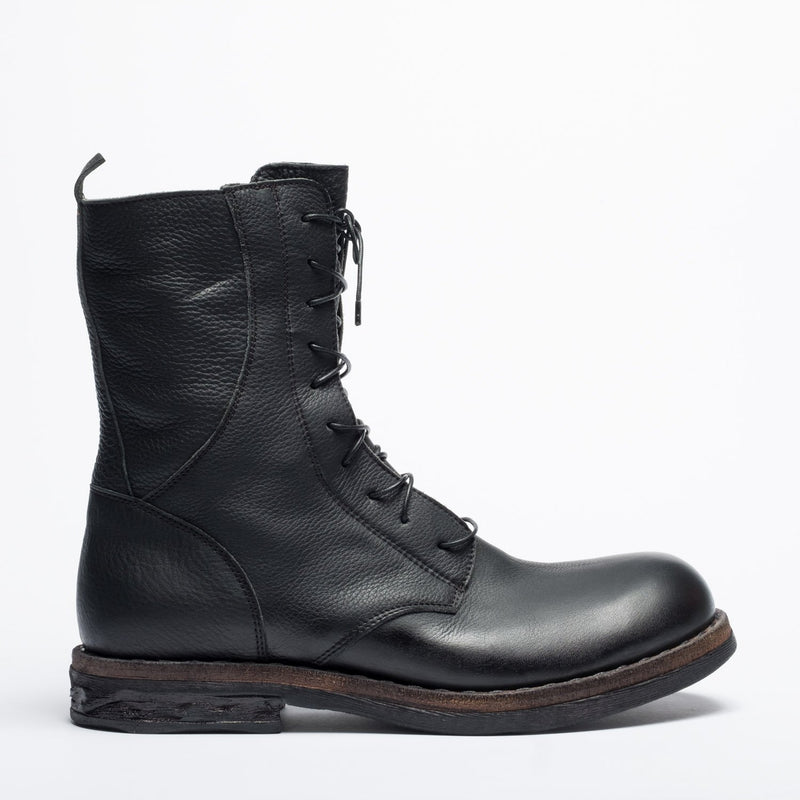 Doberman_II black desert boot