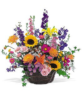 Seasonal Flower Basket | K & M Flowers | Dearborn, Mi