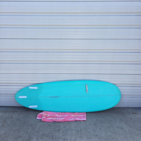 High performance fun shape surfboard