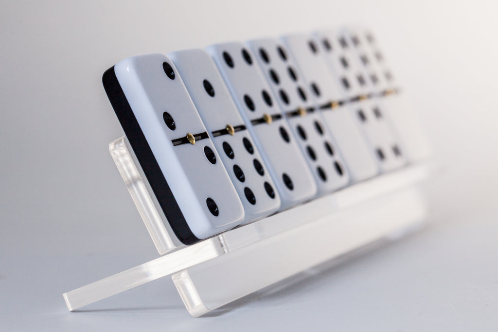 Domino rack close up