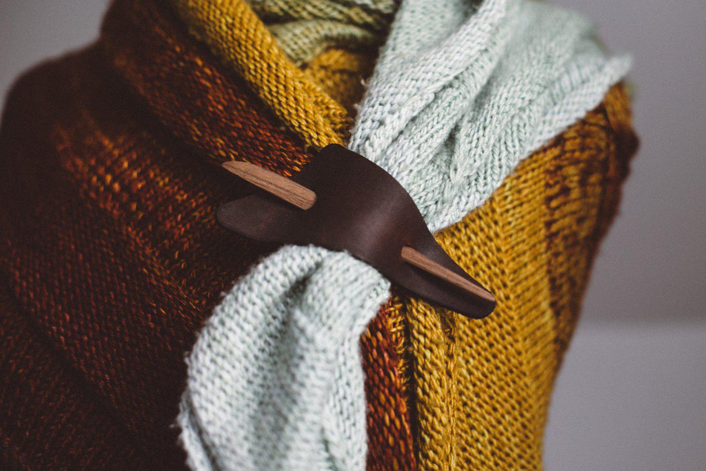 PURL & HANK | Triangle Shawl Pin