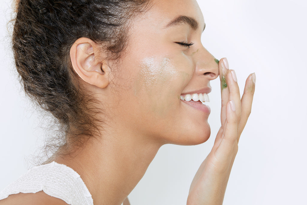 Blackheads on Nose: Causes of Black Dots/Spots On Nose