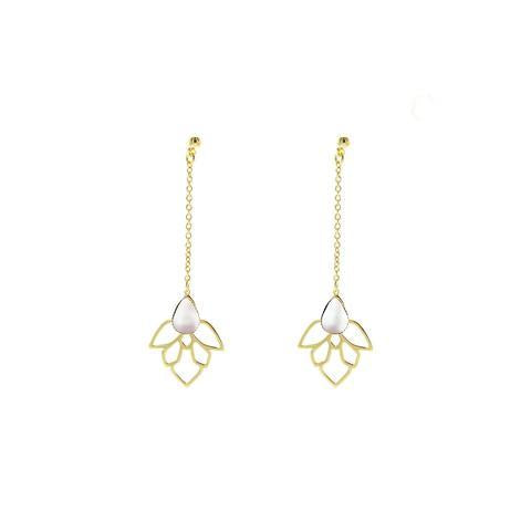 https://us.emma-chloe.com/products/dorisse-earrings