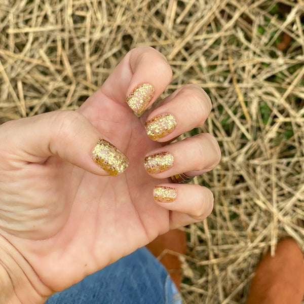 Penny is Golden - Nail Dashes