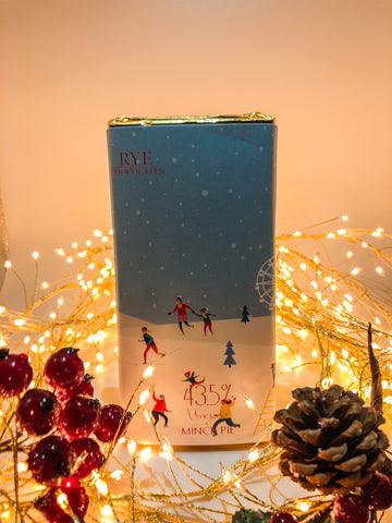 Mince Pie - Milk Chocolate Bar - 43.5% Venezuelan with Christmas design