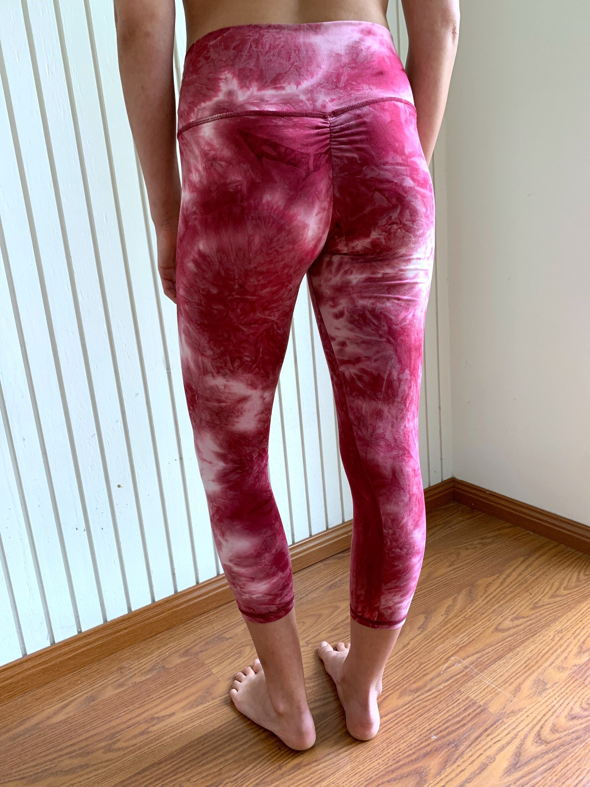 Tie-Dye Inspired High Waisted Crop Fitness Leggings | By SIGNED NOELLE