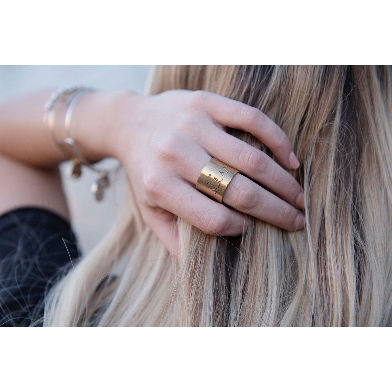 LIVE | Wide Band Ring | SIGNED NOELLE | - DARING Collection by Noelle Nieporte  - 3