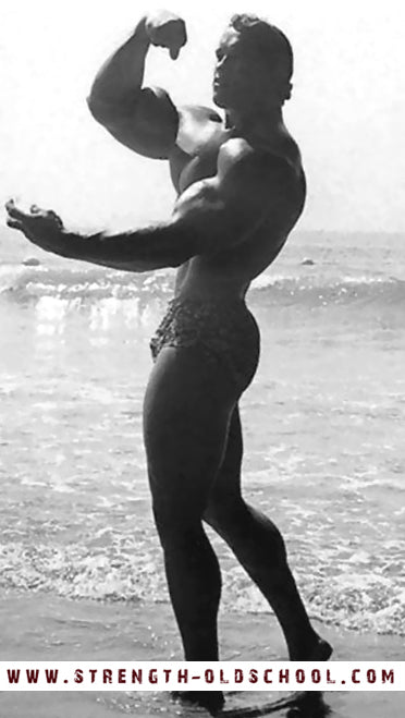 1968 Arnold Schwarzenegger - Rare Photo Flexing Arm