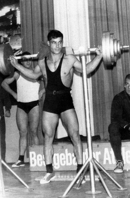 A Young Franco Columbu - Powerlifting Days