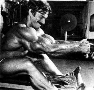 Mike Mentzer Training Back - Cable Row machine