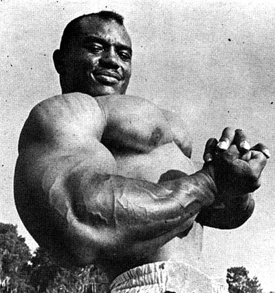 Sergio Oliva Side Chest Pose